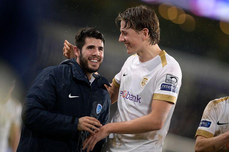 Alejandro Pozuelo (l) en Sander Berge met de brede glimlach na de 0-1-zege in Anderlecht.