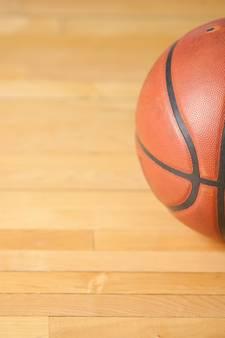 Landstede Basketbal ZAC krijgt flink op de broek in Hoofddorp