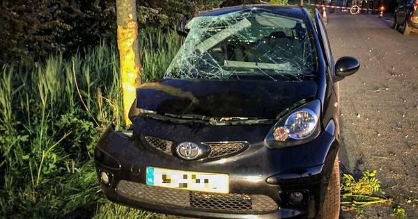 Bestuurster zwaargewond bij eenzijdig ongeval op Dijkstraat in Herveld.