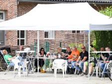 'Niemand wil dat zijn opa of oma op de ic komt door zijn gedrag', zorgen over vele besmettingen in West-Brabant