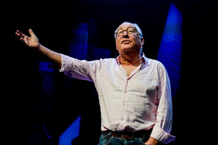 Cabaretier Youp van 't Hek gaat na zijn Oudejaarsconference 2020 nog één groot laatste programma maken. Met deze voorstelling gaat hij op tournee langs alle zalen en zaaltjes in Nederland en Vlaanderen waar hij de afgelopen vijf decennia heeft opgetreden.