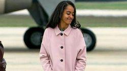 Malia Obama geniet van het studentenleven, al kussend gespot met nieuw vriendje
