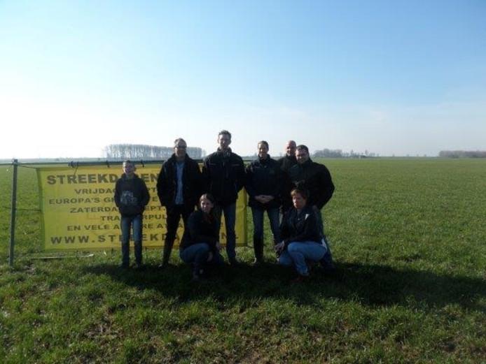 Het bestuur van SLF op de nieuwe locatie in Meeuwen