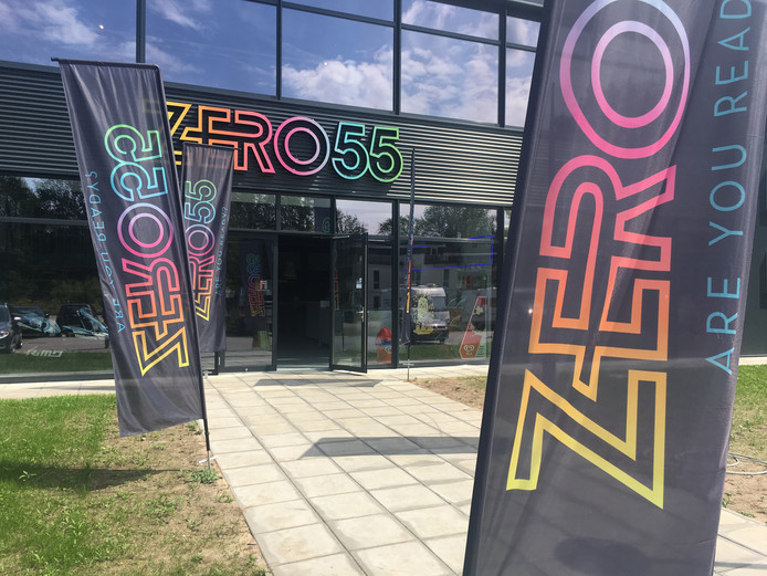 Zero55 in Apeldoorn heeft een tweede vestiging in Enschede. De concurrentie meent dat het indoor-entertainmentbedrijf is gefinancierd met Apeldoorns gemeentegeld.