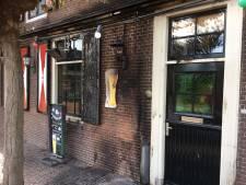 Terras café in de as: 'houten prullenbak aangezien voor asbak'