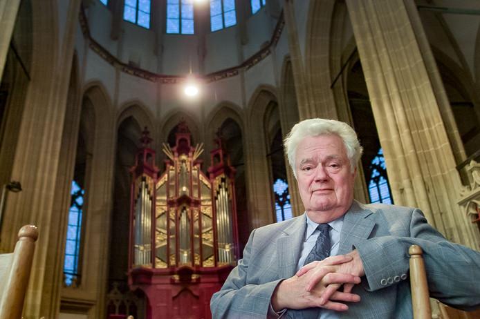 Bekende Kampenaar Arend Hengeveld is overleden op 85-jarige leeftijd. Hij was directeur van de Willem de Zwijger MAVO, CDA-wethouder en kerkvoogd van de Hervormde Kerk.