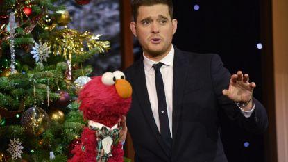 """Michael Bublé herwerkt populair kerstnummer, maar fans zijn niet te spreken: """"Zó vrouwonvriendelijk"""""""