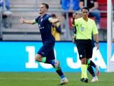 Clint Leemans maakt wereldgoal tegen AZ, maar stapt chagrijnig in de bus terug naar Zwolle