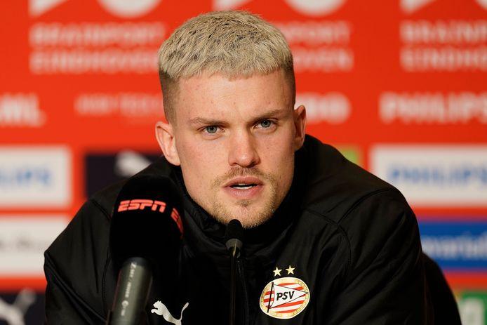 Philipp Max na het verloren duel van PSV met AZ.