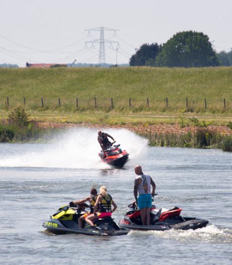 Extra politieboot tegen overlast op het water