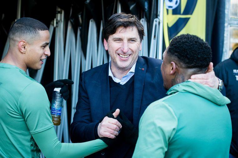 Luc Nilis met PSV-spelers Mohamed Ihattaren en Steven Bergwijn