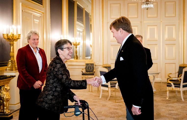 Koning Willem-Alexander beëdigt Jetta Klijnsma, de nieuwe commissaris van de Koning in de provincie Drenthe. Beeld ANP