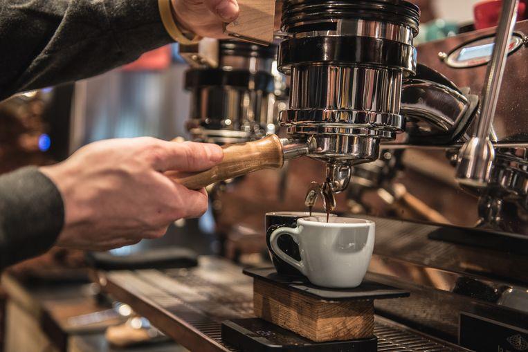 Met iets minder bonen dan de gebruikelijke 20 gram, zet je de beste espresso, stellen chemici en wiskundigen. Beeld Getty Images