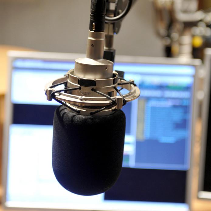 Streekomroep De Bevelanden heeft een aanvraag ingediend bij het Commissariaat voor de Media. Het station wil de radiozender voor vijf Bevelandse gemeenten worden.