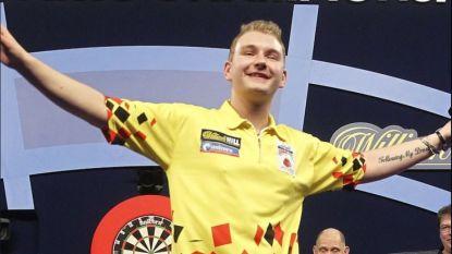 Fenomenale Dimitri 'Dream Maker' Van den Bergh vloert gewezen BDO-wereldkampioen in eerste ronde WK darts