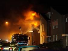 Uitslaande woningbrand in Waalwijk onder controle, geëvacueerde buurtbewoners terug naar huis