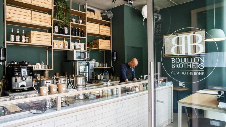 Vervang je kop thee of koffie eens door een kop bouillon, vinden de ondernemers achter Bouillon Brothers. Beeld Carly Wollaert