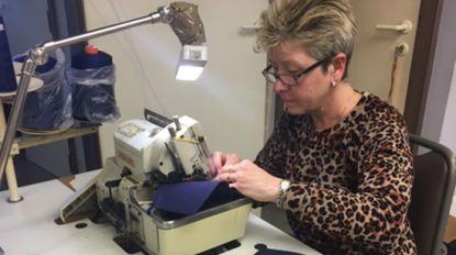 """Confectiebedrijf in wielerkledij maakt mondmaskers voor politiekorpsen, OCMW's en rusthuizen: """"Al 3.000 mondmaskers de deur uit"""""""