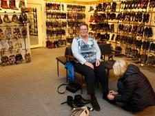 Ouderwets druk bij leegverkoop failliete schoenenzaak Wieland