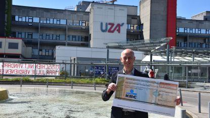 Politieraad doneert 3.360 euro aan zitpenningen aan Universitair Ziekenhuis