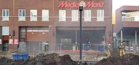 MediaMarkt Enschede weer open na brand, schade nog onbekend