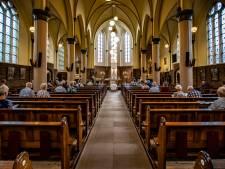 Donkere wolken boven Nicolaaskerk in Lettele door verwachte sluiting: 'Water staat aan de lippen'