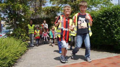 Zeshonderd kinderen halen fluohesjes boven voor veilig verkeer