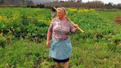 """Spaanse boerin lijkt sprekend op Donald Trump: """"Ik denk dat het door mijn haarkleur komt"""""""