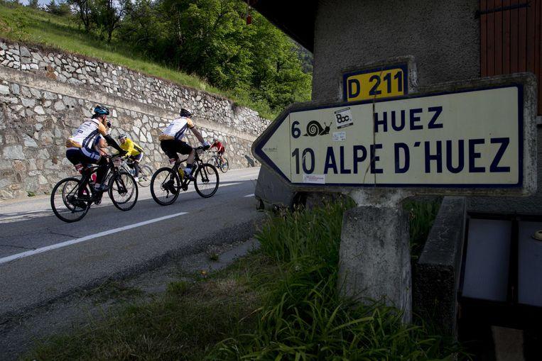 Alpe d'Huez, voor de dertigste keer opgenomen in het parcours van de Tour.