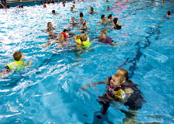 Zwembad De Wissen in Helmond.