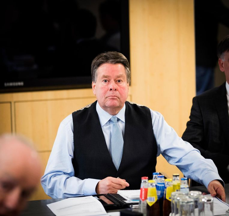 Commissaris van de koning Jacques Tichelaar is zaterdag met de fractievoorzitters van Provinciale Staten bij elkaar voor spoedberaad. Tichelaar is in opspraak geraakt omdat hij zijn schoonzus een ontwerpopdracht zou hebben toegespeeld bij de herinrichting van Huize Tetrode in Assen. Beeld anp