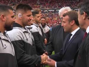 Avant la finale de Top 14, un joueur demande la nationalité française au président Macron