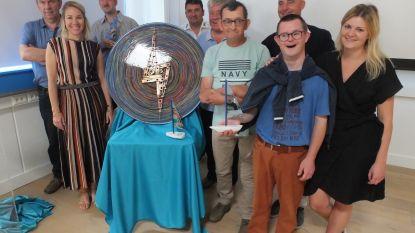 Mensen met beperking maken kunstwerk uit overschotjes voor veertigste verjaardag Het Veer