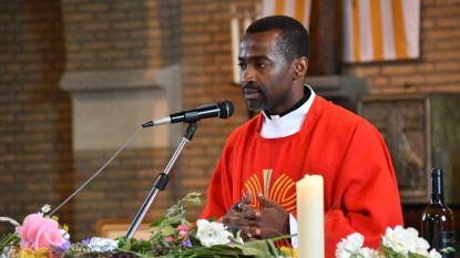 Dankviering voor pater Marcel in Sint-Luciakerk