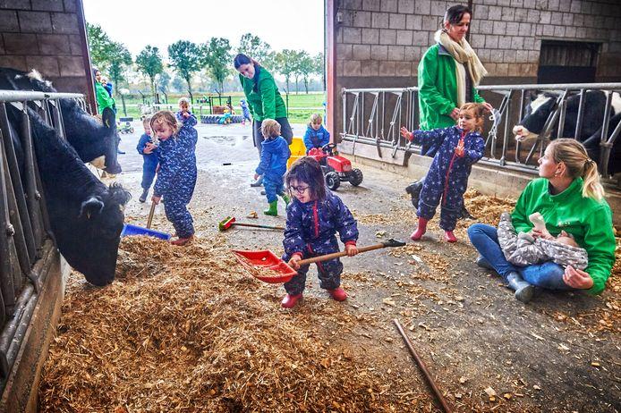 Kinderen en dieren zijn bij kinderopvang De Dierenvriendjes aan elkaar gewend.