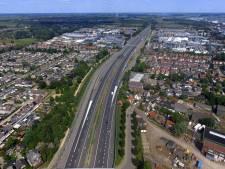 De groeten uit Hardinxveld-Giessendam, dat wordt gescheiden door de A15
