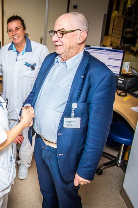 Vertrekkend oncoloog in tranen: 'Van Weel-Bethesda Ziekenhuis was toch een beetje mijn kindje'