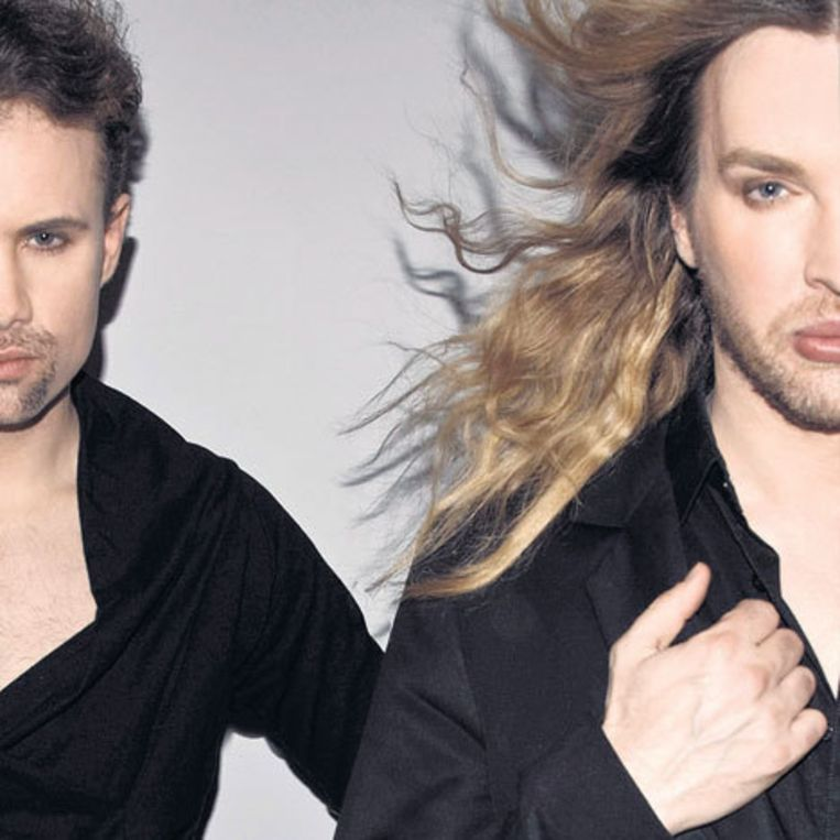 Dj Lupe (l) en dj/performer Martin Duvall: 'Misschien brengen we ook onze eigen italonummers.' Foto Petrovsky & ramone Beeld