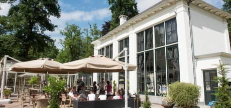Jubilerende Brasserie Staverden haalt ouderen het huis uit