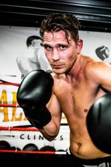 Kickbokser Julius 'Caesar' Humme gaat verder als bokser