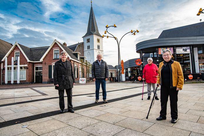 Door vergrijzing is het afgelopen voor het Holtens Kerkkoor. Bestuursleden Diny van Langen, Wim Aaltink, Joke Paalman, Toosje Wibbelink en Eddy Reterink (niet op de foto) zagen het aankomen.