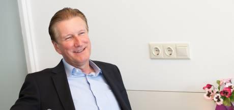 Woensdrechtse wethouder Hans de Waal terug thuis na verblijf op hartbewaking