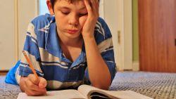 """'Omgekeerde' manier is beter bij dyslexie: """"Leer kinderen eerst schrijven en dan pas lezen"""""""