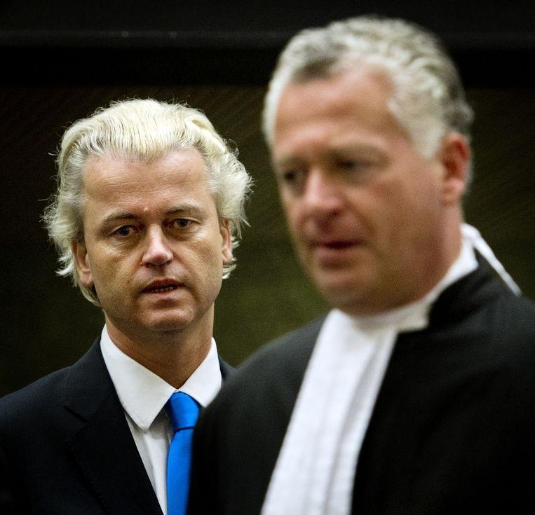 En met Bram Moszkowicz, tijdens het vorige proces. Beeld ANP