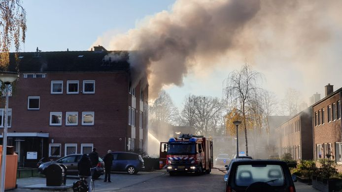 Woningbrand aan de Roerstraat in Enschede