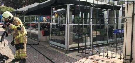 Gewonde bij brand op terras Almeloos tapasrestaurant