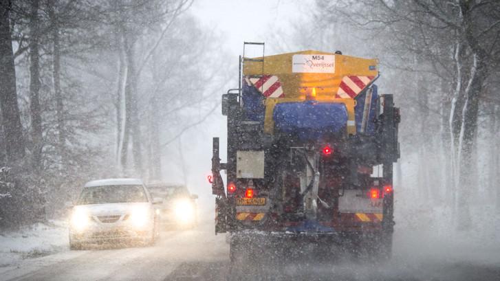 Het ergste moet nog komen: maandag grote kans op 'sneeuwinfarct'