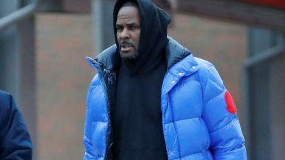 R. Kelly op borgtocht vrij, nieuwe expliciete seksvideo opgedoken