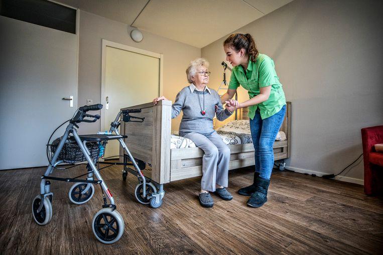 Een verpleeghuis in Amersfoort. Beeld Raymond Rutting / de Volkskrant