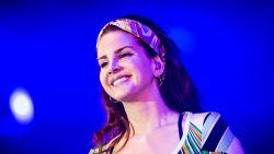 Lana Del Rey komt met nieuwe muziek en poëzie